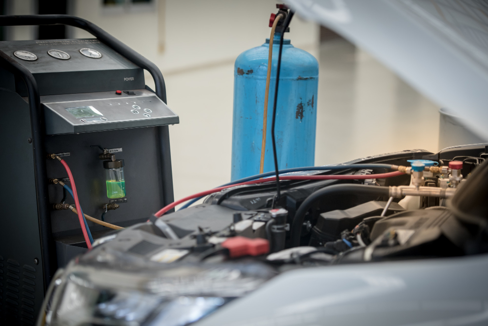 servicing-car-air-conditioner-service-station-car-repair-auto-mechanic-check-pressure-leak-use-air-condition-systems